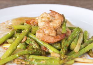 Hot Garlic Shrimp & Asparagus