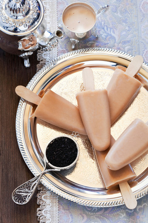 Vanilla and Cinnamon Swirl Protein Popsicles